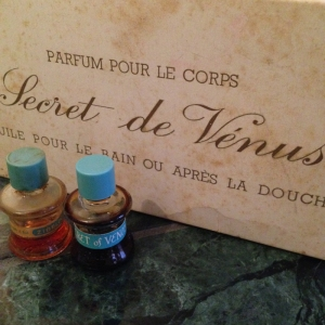 secretdevenus_bathoil_weil